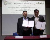 i-Sprint Innovations CEO: Mr Dutch Ng signing Memorandum of Understanding with SMF Chairman of F&B IG: Mr Sunny Koh